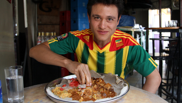 MARK WIENS TRAVEL TO KUALA LUMPUR TO FINDS FOOD