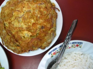 thai omelet with pork