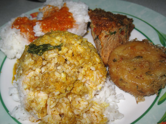 nasi padang food jakarta What to Do When You Find Yourself in Jakarta