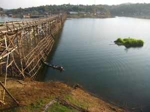 wooden bridge sangkhlaburi thailand khao laem lake