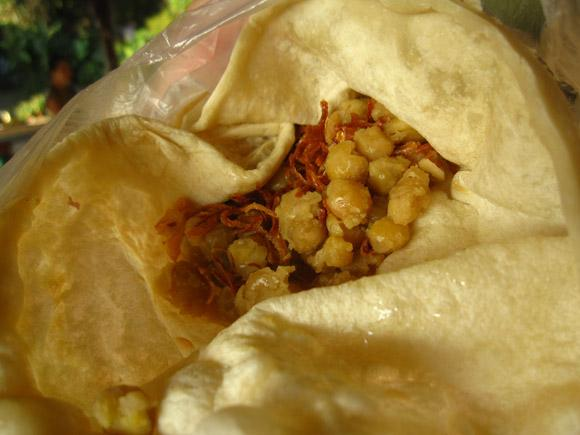 mon market roti ong sangkhlaburi thailand