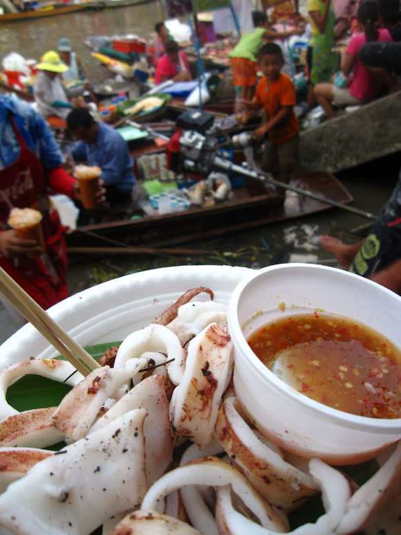 squid amphawa floating market