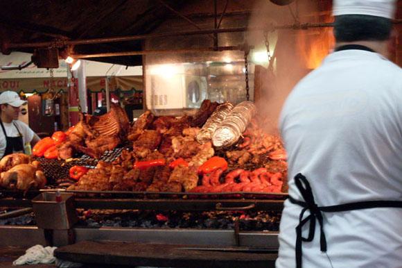 grill man at estancia del puerto