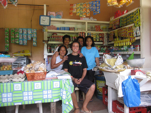 volunteering with gawad kalinga in bicol
