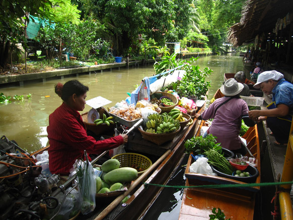 lat mayom floating market Khlong Lat Mayom Floating Market