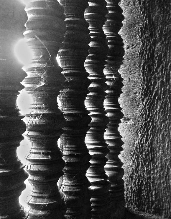 andkor wat pillars 20 Detail Photos of Angkor Wat