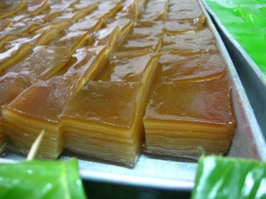 khanom chun gafe 300x225 Thai Desserts (Khanom Wan Thai): The Ultimate Thailand Sweets Guide