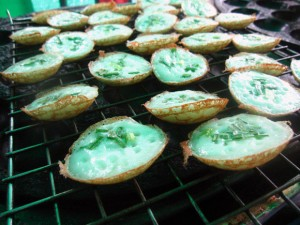 khanom krok 300x225 Thai Desserts (Khanom Wan Thai): The Ultimate Thailand Sweets Guide