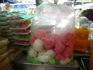 khanom tuay foo 300x225 Thai Desserts (Khanom Wan Thai): The Ultimate Thailand Sweets Guide