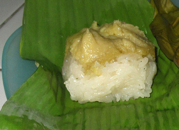khao niew sang kaya Thai Desserts (Khanom Wan Thai): The Ultimate Thailand Sweets Guide
