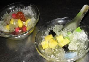 nam kang sai 300x210 Thai Desserts (Khanom Wan Thai): The Ultimate Thailand Sweets Guide
