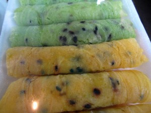 taung muan sot 300x225 Thai Desserts (Khanom Wan Thai): The Ultimate Thailand Sweets Guide