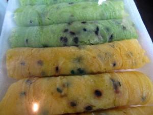 taung muan sot 300x225 Thai Desserts (Khanom Wan Thai): The Ultimate Thailand Sweets Guide