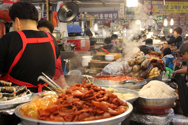 gwangjang market VIDEO: Seoul Street Food at the Gwangjang Market