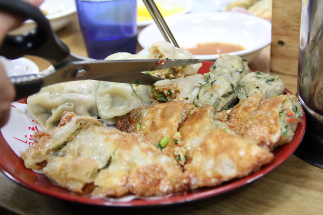 VIDEO: Are Korean Mandu the Best Dumplings in the World?