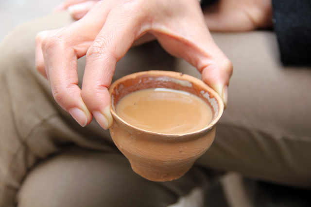 Drinking chai the Kolkata way!