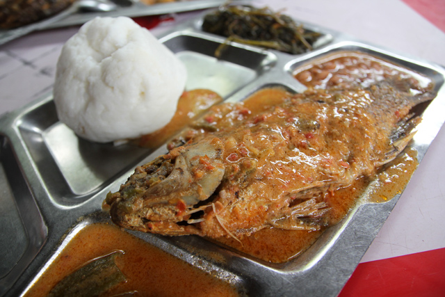 Mchuzi wa samaki - curried fish, Tanzanian style