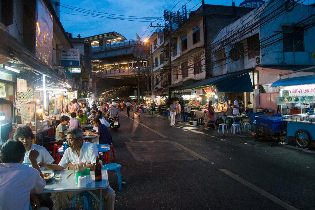 Street Food Sukhumvit Soi