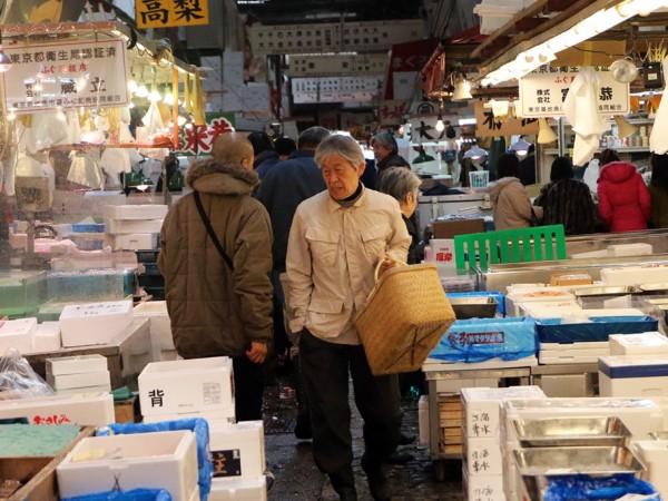 tsukiji-fish-market-in-tokyo