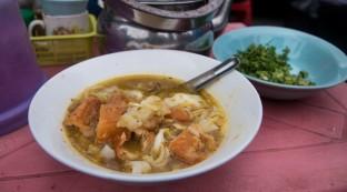 yangon-street-food-mohinga
