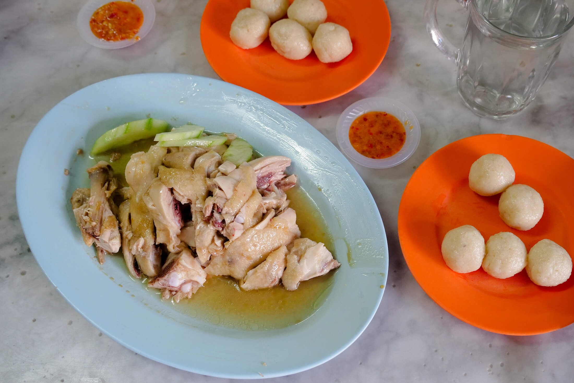 braised chicken and amazingly soft rice balls served at the Melaka restaurant named Kedai Kopi Chung Wah