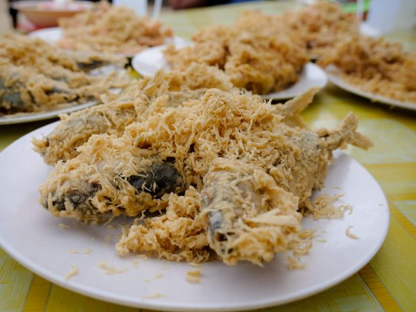 Visit Warung Pok Nong for some amazing and fresh deep fried seafood when you visit the Eastern Coast of Malaysia.