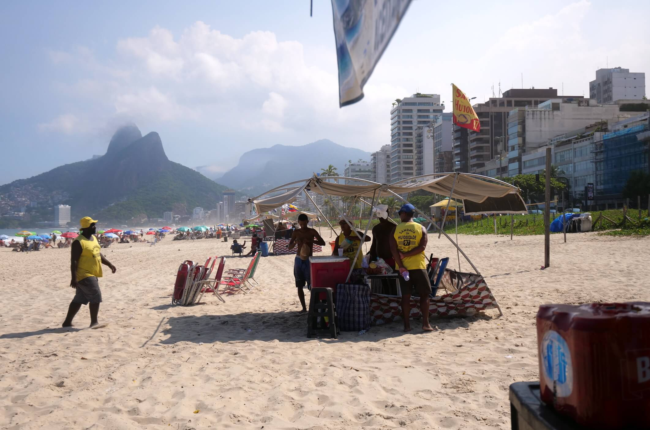 Refreshing drinks on the beach, it doesn't get more classic in Rio than a Caipirinha on Copacabana beach
