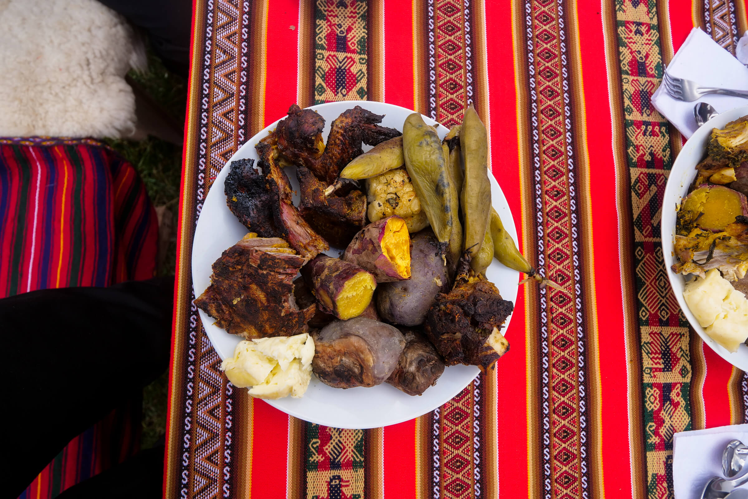 Quechua food, Pachamanca cooks using hot stones and trapped heat